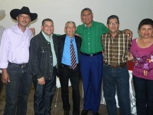 2)El Alcalde Socialista Ortega, junto a exponentes del Folclor, en apoyo a la cultura.